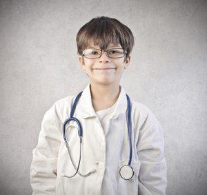 Kind als Arzt