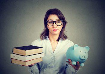 Studentin bei Steuern sparen