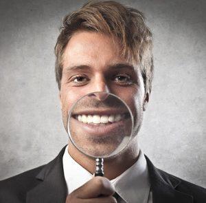 Zahnzusatz-Tarife unter der Lupe